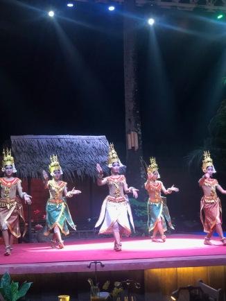 apsara kutsama dansı