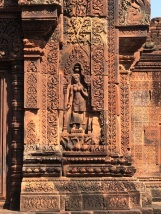 Banteay Srei...kadınlara adanmış olan tapınak